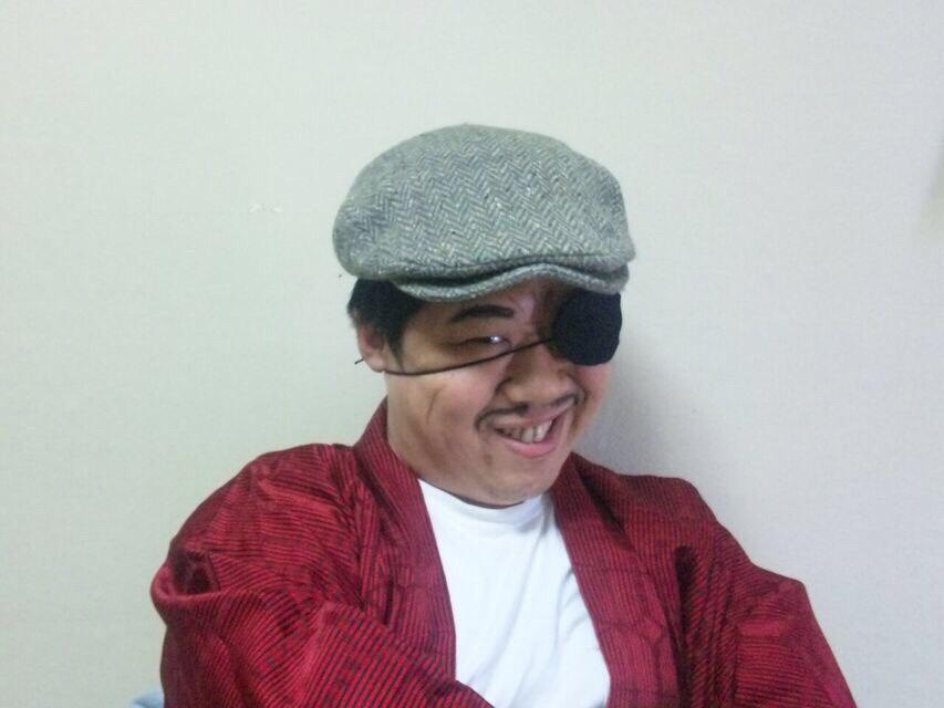 2011年のキネマおじさんは、メガネではなく眼帯姿でした