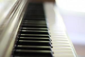 piano-keys-756954_640