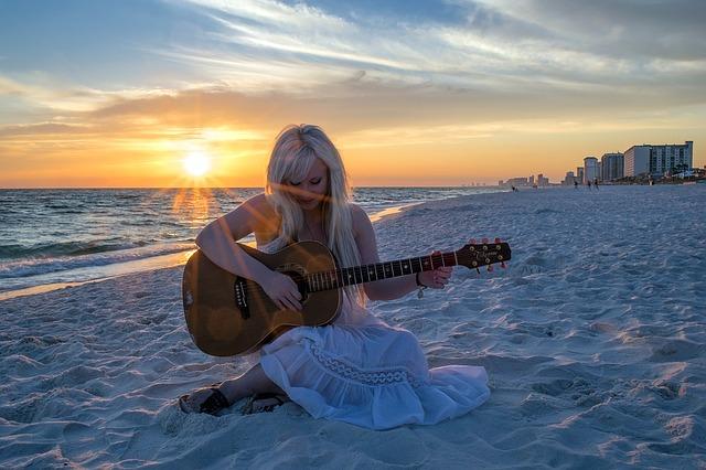 guitar-1055355_640
