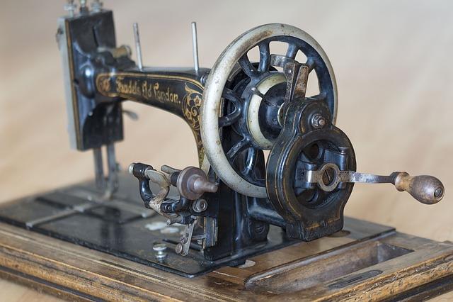 sewing-machine-1252376_640