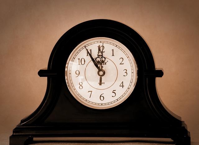 clock-1202236_640