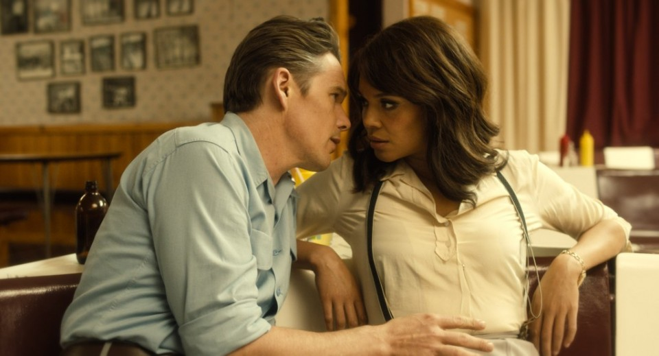 born-to-be-blue-ethan-hawke-and-carmen-ejogo-1024x554